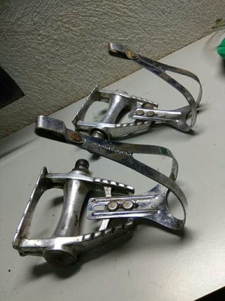 pedales calapies rastrales