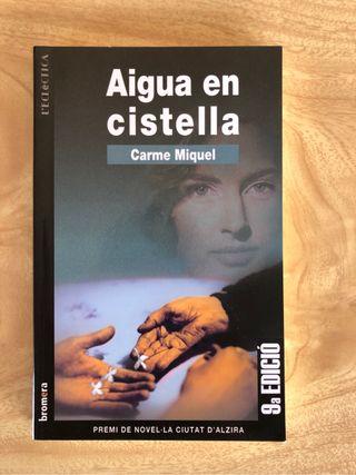 Libro 'Aigua en cistella'