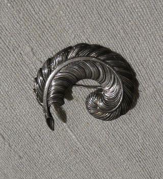 Broche argent vieilli Plume vintage 40's