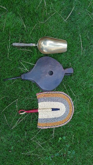 Tres piezas para chimenea de leña.