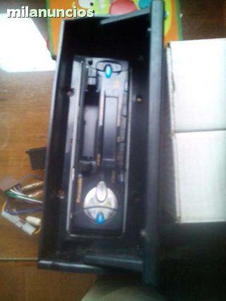 auto radio Panasonic y cargador 8 cds