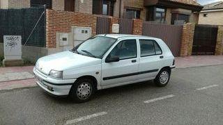 Renault Clio 1.4 RT Automático