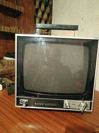 vendo tele antigua pequeña