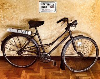 Bicicleta antigua para decorar