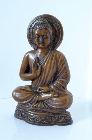 Statuette Bouddha en résine imitation bois