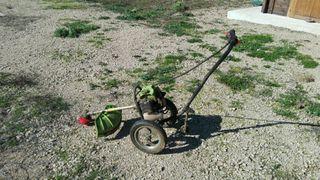 desbrozadora con ruedas