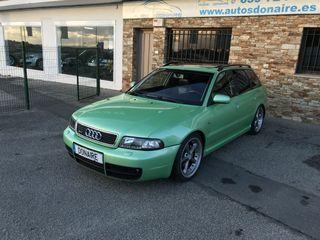 Audi A4 TDi Look RS4