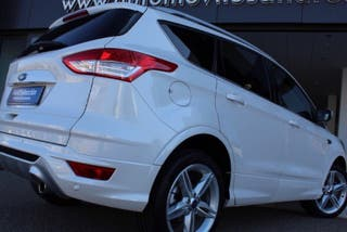 FORD KUGA TITÁN 4x4 180 CV POWERSHIFT 27.000km