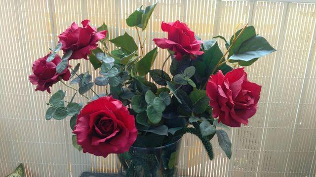 5 Flores Rosas Rojas De Segunda Mano Por 9 En Barcelona En Wallapop