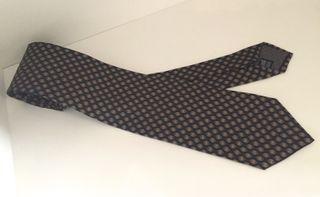 Cravate 100% soie marine motifs chocolat NEUVE