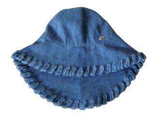 chapeau capeline en Jean's Chanel Neuve