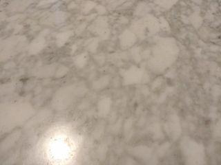 Mesa madera y mármol