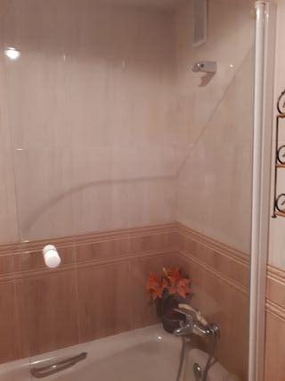 Hoja de cristal de ducha