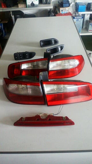 Focos traseros Renault Laguna 2003