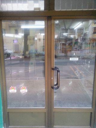 Puertas de aluminio de segunda mano en wallapop for Puertas blancas segunda mano