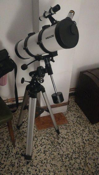 Telescopio Meade 114EQ