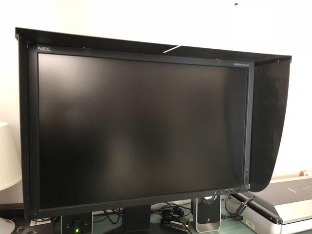 Monitor profesional NEC PA241w