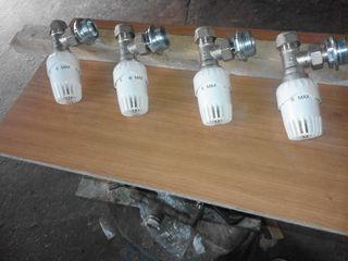 4 llaves termoestáticas de radiadores