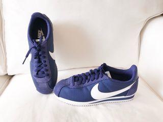 Zapatillas Nike cortez nº 37,5 segunda de segunda 37,5 mano por 45en Barcelona 1c4fde