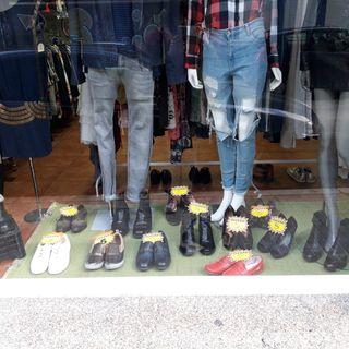 vendemos calzado a 5 .CALLE SAN ISIDORO 3.