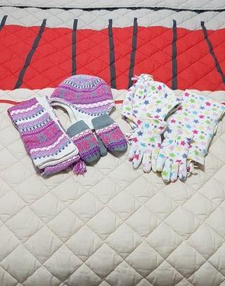 2 Conjuntos de gorro, bufanda y guantes.