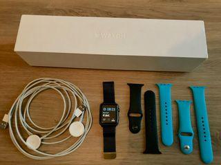 Apple Watch Noire + accessoires officiels