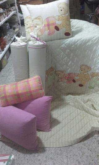 cojunto colcha habitación infantil