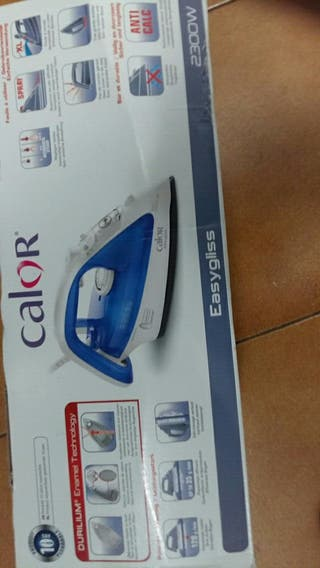 Plancha para ropa marca Calor FV3840C0 2300w