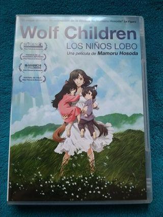 película los niños lobos