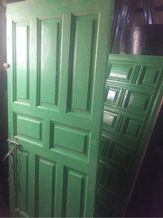 Puertas de madera antiguas de segunda mano en wallapop for Puertas blindadas antigua casa gutierrez