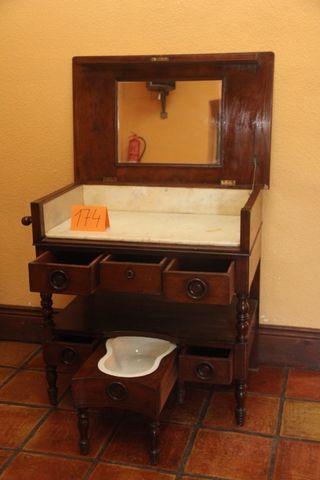 Muebles anticuarios