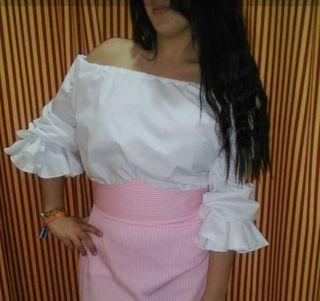 blusa de Amazona y traje de gitana