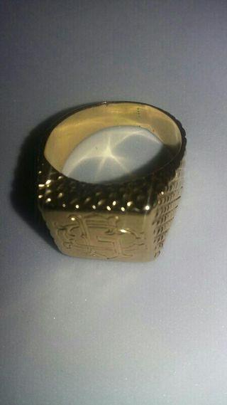 sortija tipo sello de oro 18k