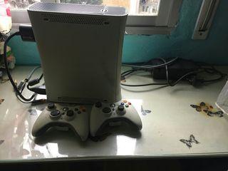 xbox 360 con dos mandos
