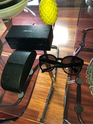 Gafas de sol PRADA elegantes chic