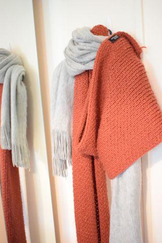 Scarfs Zara orange and grey