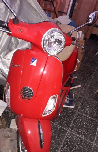 MOTO VESPA LX125