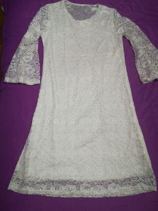 vestido ibicenco de encaje