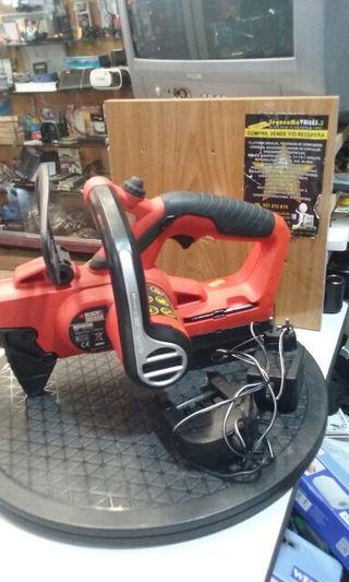 Motosierra batería Black decker gkc1817