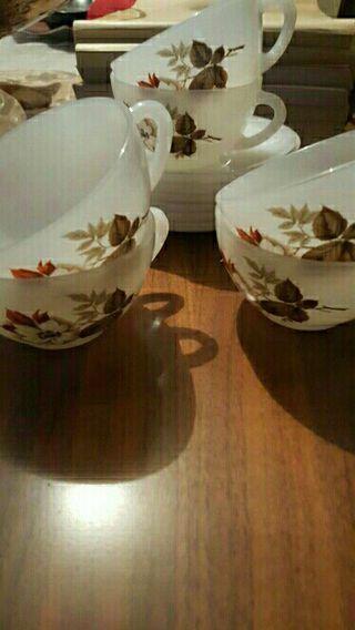 set de 6 tazas y platos. hecho en spain.
