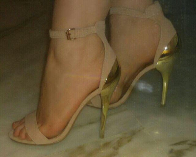 4c5e4055 Sandalias tacón zapatos fiesta tacones guess zara de segunda mano ...