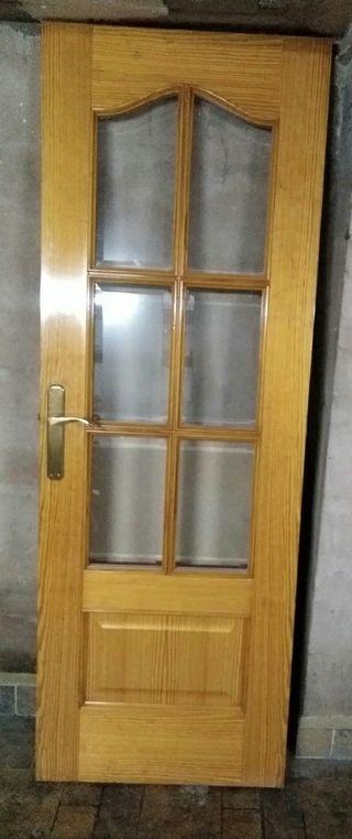 Vendo puerta cristalera chapada de movila