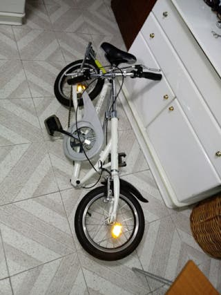 bicicleta plegable ocupa muy poco espacio