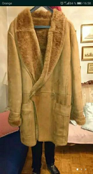 Precioso abrigo unisex piel vuelta