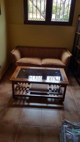 Conjunto sofá y mesa estilo clasicos