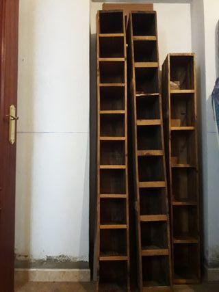 Muebles artesanales para cds y dvds