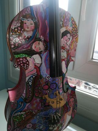 violonchelo 1/2 pintado