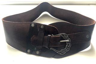 Cinturón de cuero sin hebilla de segunda mano en la provincia de ... 6642acdf34f4