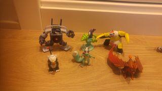 6 muñecos Invizimals