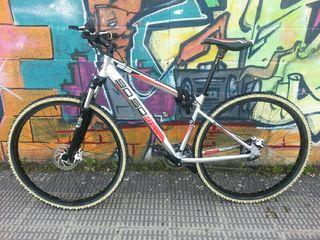 Bicicleta de montaña btt